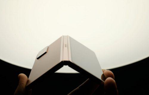 Izgleda sjajno, ali koliko vredi: Procureli podaci o novom Galaxy Z Fold 3 (VIDEO)