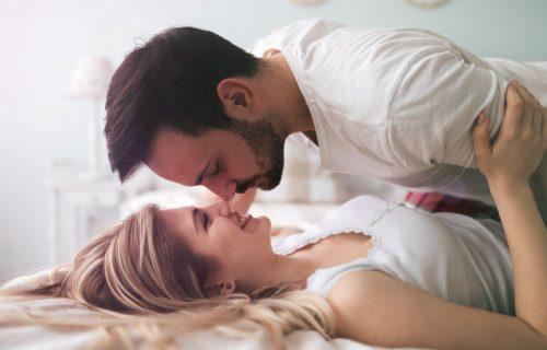 Zarad većeg UŽITKA u spavaćoj sobi: Pet pitanja o vođenju ljubavi koje morate da postavite PARTNERU