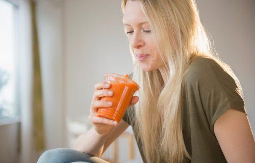 Glavni sastojci su grejpfrut i đumbir: Pijte OVAJ napitak svako jutro i REŠITE se viška kilograma