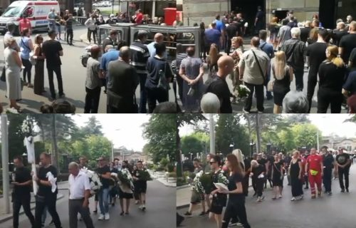 TUŽNE SCENE na groblju: Od Stefana se oprostilo više od 300 osoba, otac nosi fudbalsku loptu (VIDEO)