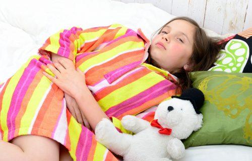 Stomačni virus i ishrana: Šta dete SME da jede, a šta treba da izbegava ako ga boli STOMAK?