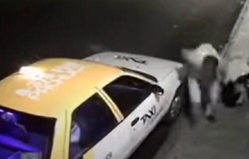 Uznemirujuć prizor: Taksista brutalno PRETUKAO ženu i vukao je po trotoaru (VIDEO)