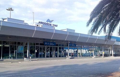 Putnike satima MALTRETIRALI u Tivtu: Avio-kompanija otkazala letove, ljude držali u malim prostorijama