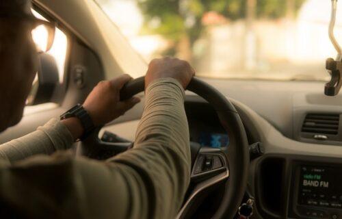 Devojka posle svađe izbola vozača: Kada je otkrila KO je on, poželela je da je proguta mrak