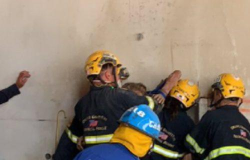 Začuli se krici i ZAPOMAGANJA između dve zgrade, a kad su vatrogasci došli, zatekli su NESTVARAN prizor