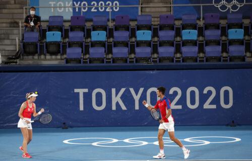 Krenulo je po zlu: Novak i Nina izgubili prvi set u polufinalu miks dubla u Tokiju