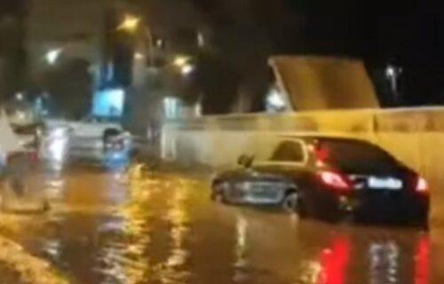 Jako NEVREME pogodilo Crnu Goru: Ulice u Budvi i Podgorici pod vodom (VIDEO)