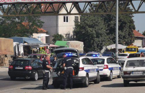 Teška nesreća na Ibarskoj magistrali: Kamion PREGAZIO ženu, na licu mesta izgubila život (FOTO)