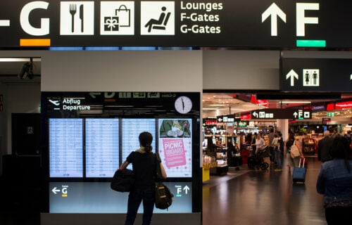 DRAMA na aerodromu u Beču: HITNA evakuacija putnika zbog sumnjivog paketa - među njima ima i Srba
