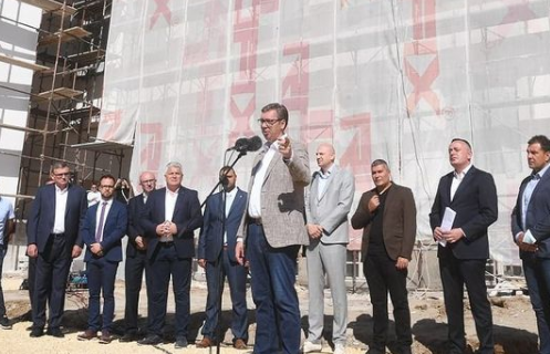 Vučić se obratio građanima Prokuplja: Nema povratka u prošlost, pomozite da brže IDEMO NAPRED
