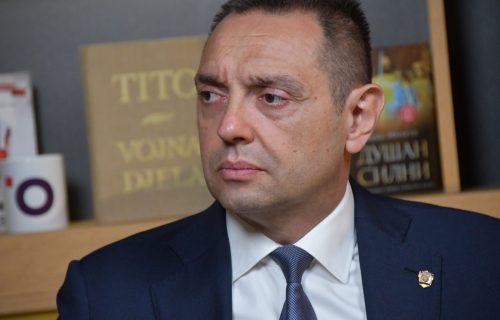 """Vulin: Oni koji ćute o """"Velikoj Albaniji"""", da ućute i kad Srbi ZAJEDNO odlučuju o najbitnijim pitanjima"""