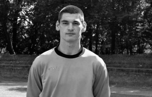 Jezive scene u Rusiji: Golman umro na terenu nakon sudara sa protivničkim napadačem