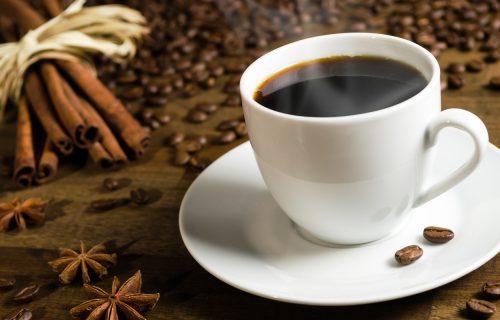 Svakog jutra je u kafu dodavala kašičicu OVOG začina i posle mesec dana je skinula četiri kilograma!