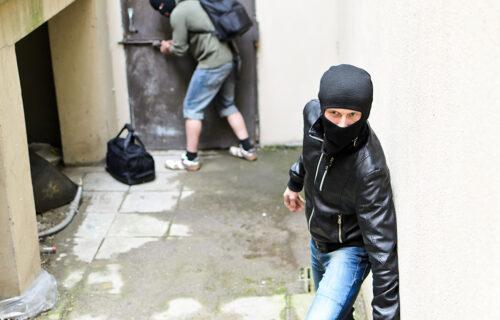 HOROR u Ripnju: Ulaze noću u kuće i KRADU, ušli u dom gde su spavala deca, ovo je spasilo mališane (FOTO)
