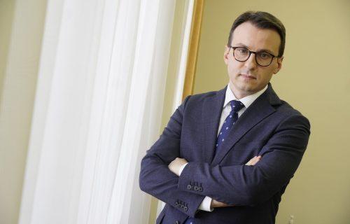 """Petković: """"Na KiM sve spremno za proslavu praznika, naši građani sa ponosom ISTIČU srpsku zastavu"""""""