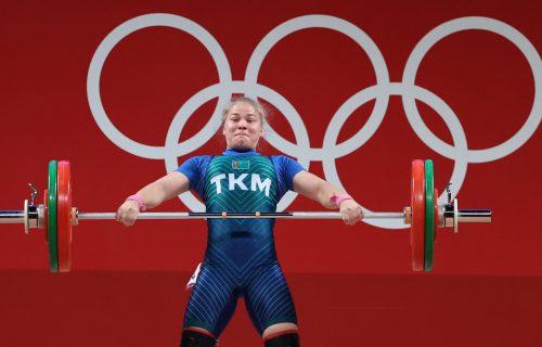 Od dizačice tegova do heroja nacije: Donela prvu medalju u svoju zemlju, pa dobila pravo malo bogatstvo!