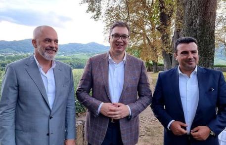 Vučić na Bledu: Predsednik Srbije priredio večeru za Zaeva i Ramu u Sloveniji (FOTO)