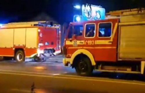 POŽAR u Vrčinu: Vatra buknula u stambenoj zgradi, stanari HITNO evakuisani