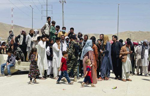 Avganistanci večeras STIŽU U PRIŠTINU: Amerikanci poslali više od 100 ljudi koji se plaše osvete talibana