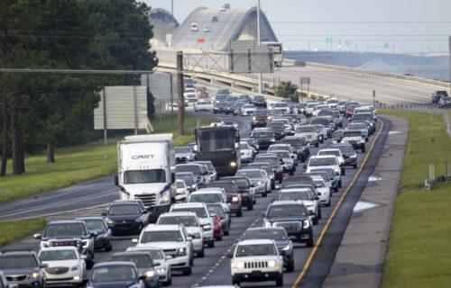 U toku je HITNA evakuacija velikog američkog grada: Približava se URAGAN, građani u kolonama beže (FOTO)