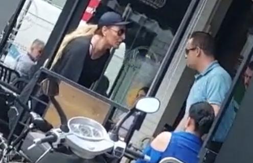 """Žena u Novom Pazaru uhvatila muža u PREVARI, nastao HAOS: """"Seljačino, alimentaciju ćeš da plaćaš"""" (VIDEO)"""
