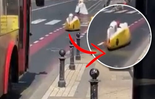 RETKO viđeno vozilo na ulicama Beograda privuklo veliku pažnju: Vozač njime upravlja LEŽEĆI (VIDEO)