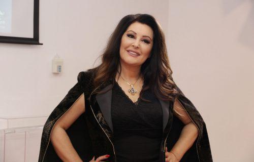 U javnosti je veoma RETKO viđamo: Rođena sestra Dragane Mirković je prava lepotica - EVO kako izgleda!