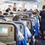 Avion prinudno sleteo kada se putnik ZAKLJUČAO u toaletu: Policiju je zgrozio ovim stavom