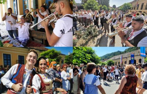 Crnogorci i Kinezi ODUŠEVLJENI Gučom! Počelo veselje, a ove mere MORAJU da se poštuju (FOTO)