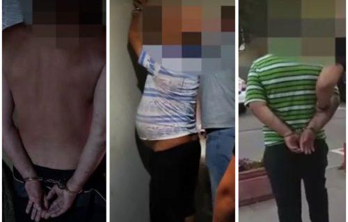 Pogledajte kako su uhapšeni POLUGOLI PEDOFILI: Preko Fejsbuka terali maloletnicu da se snima naga (VIDEO)