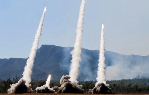Kad ZAGRMI američki HIMARS: Ubitačne rakete pogađaju do 500 kilometara (VIDEO)