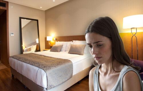 Ksenija upoznala dečka na moru: Nakon nekoliko pića završila u hotelskoj SOBI, a onda su UPALI na vrata