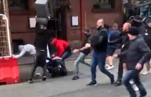 Margaret Tačer se prevrće u grobu: Haos pred meč Junajteda i Lidsa, huligani se tukli na ulicama (VIDEO)