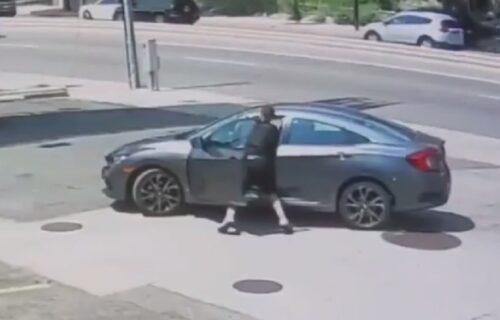 Bolje da je samog sebe izudarao: Pokušao da ukrade auto, ali nije ni slutio čije je vozilo (VIDEO)