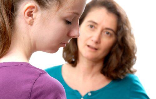"""Stavili je na STUB SRAMA zbog onoga što je tražila od svoje ćerke (17): """"Ja sam najgora majka na svetu"""""""