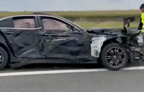 STRAŠAN sudar kod Inđije: Vozilo potpuno UNIŠTENO, saobraćaj se odvija usporeno (VIDEO)