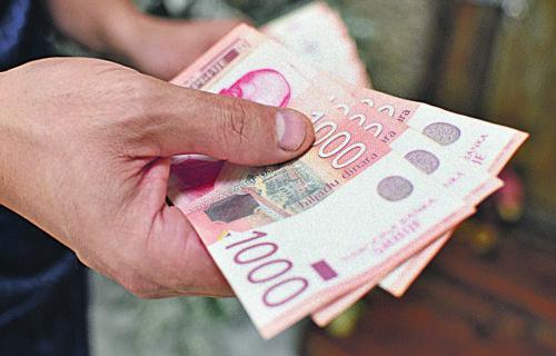 Danas LEŽE državni novac: Evo koja grupa građana dobija pomoć, cifra je OGROMNA