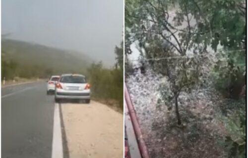 UŽASNI prizori iz Dalmacije: Snažno NEVREME pogodilo deo zemlje, padao grad veličine oraha (VIDEO)