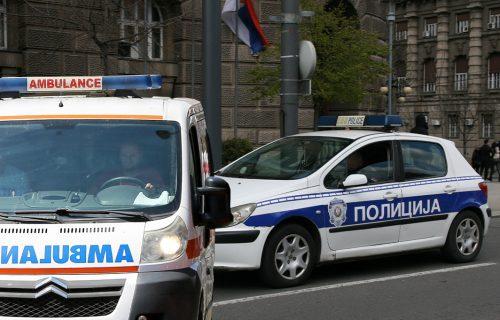 Saobraćajka u Zemunu: Automobil se ZAKUCAO u autobus, povređena jedna osoba