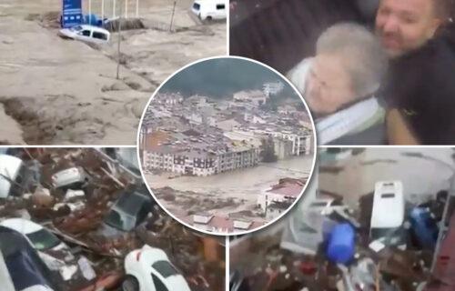 Na jugu Turske požari, a na severu POPLAVE: Helikopterom spasavali staricu sa KROVA od bujice (VIDEO)