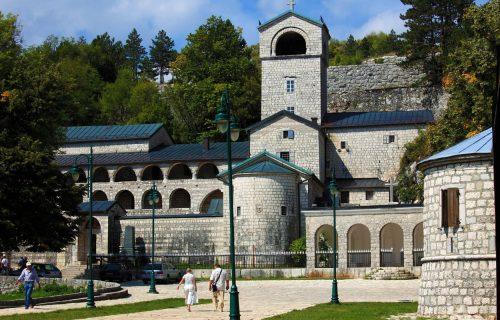 SKANDAL na Cetinju! Skupština grada podržala inicijativu za OTIMANJE manastira