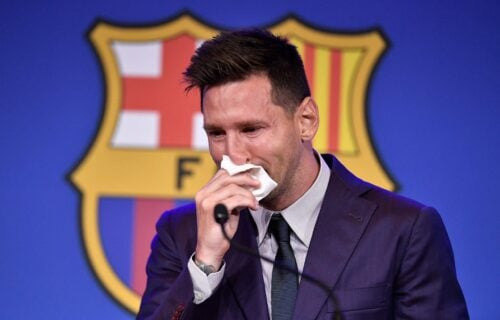 Suze Mesija na oproštaju od Barselone: Jedva je uspeo da kaže par reči, pa počeo da jeca! (VIDEO)