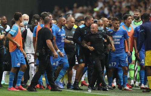 I dalje traje haos: Predsednik Nice okrivio fudbalere Marseja za opštu tuču na terenu (VIDEO)