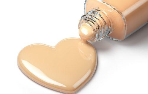 U šest koraka do savršene šminke: Ako želite prave rezultate, tečni puder morate OVAKO da nanesete