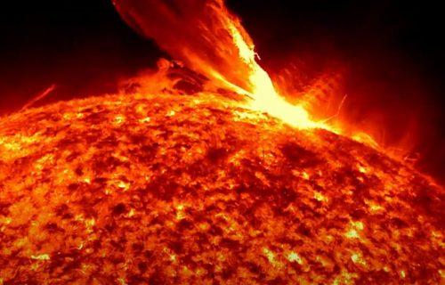 """Solarna oluja preti Zemlji: Planeta ostaje BEZ INTERNETA, poznato koga će """"apokalipsa"""" prvog udariti"""