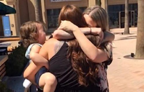 Sestre razdvojene u detinjstvu videle se prvi put posle 22 godine: Evo šta su prvo učinile (VIDEO)