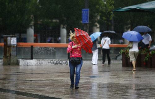 Danas kiša, magla i tmurno vreme: Poznato kada nas očekuje temperatura od ČAK 23 STEPENA