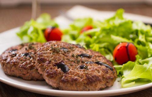 Zdrave KETO pljeskavice: Ukusan i sočan ručak koji NE GOJI! (RECEPT)