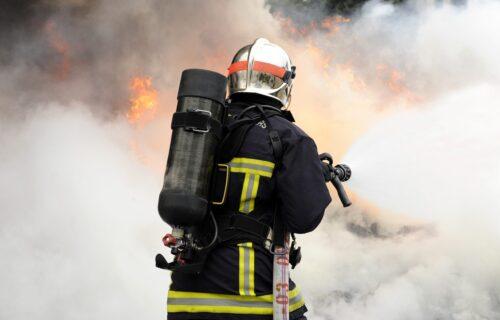 TRAGEDIJA u Brčkom: U požaru POGINULO šest osoba, više njih povređeno (FOTO)