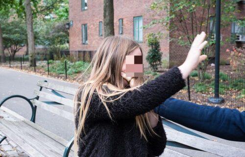 Prijavila policiji da je zlostavljana, a službenik ju je PREDAO manijacima koji su je silovali 15 PUTA